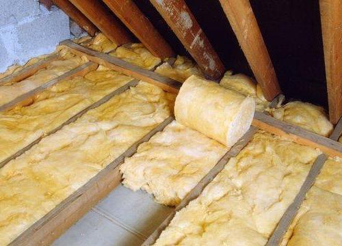 Чем утеплить потолок в доме своими руками