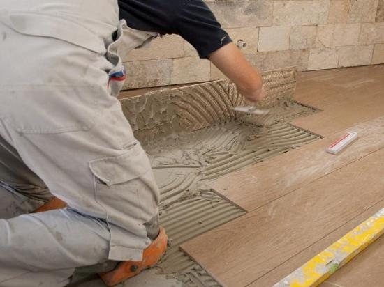 уровень шумоизоляции плитки керамогранит и ламинат высокой